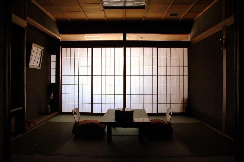 """Stanza di un ryokan a Kyoto. Foto di <a href=""""http://www.flickr.com/photos/_wookie/"""" target=""""_blank"""">Wookie Sidecar</a>, licenza Creative Commons"""