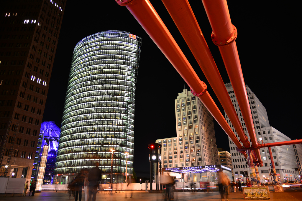 "Berlino, Potzdamer Platz. Foto di <a href=""http://www.flickr.com/photos/geirsh/"" target=""_blank"">GeirSH</a>, licenza Creative Commons"