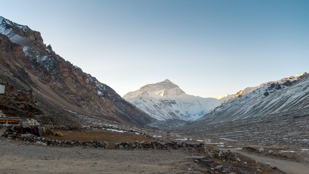 Il campo base Everest dalla vallata di Rongbuk